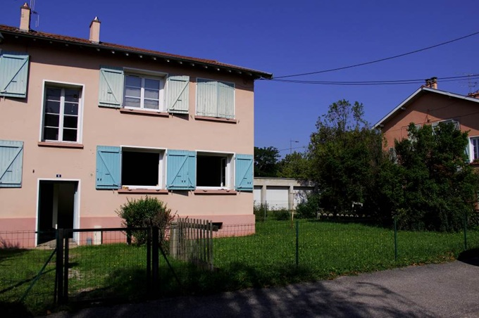 vign3_Bron_Villas_entree_commune_1